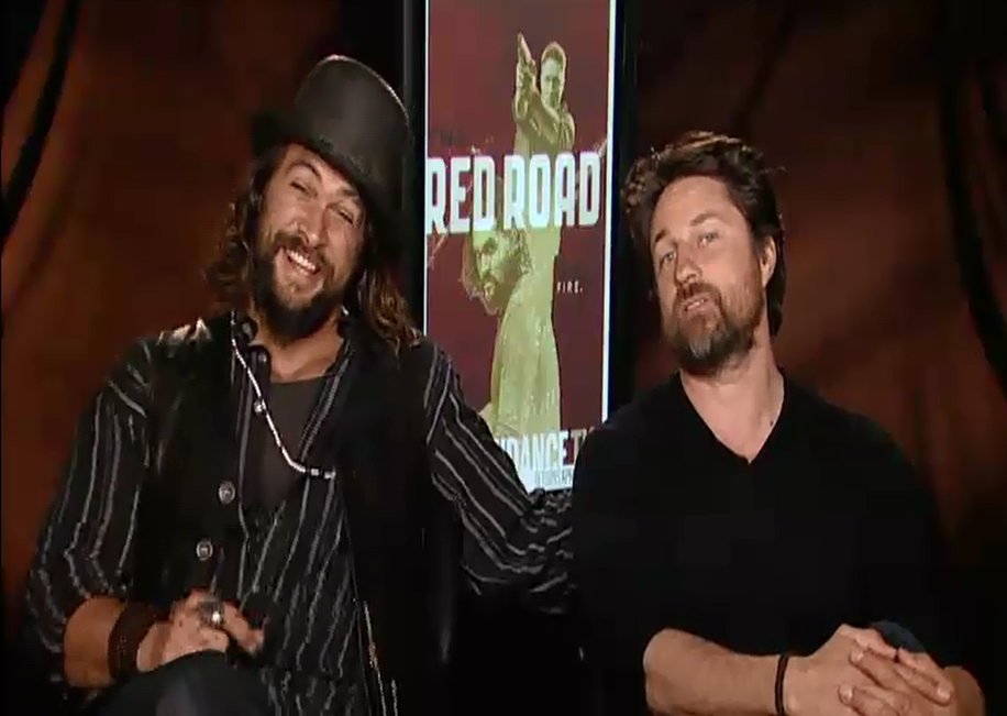 Jason Momoa Martin Henderson Talk Britney Spears Sf Giants The
