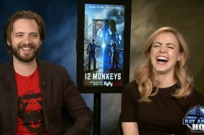 """Amanda Schull, Aaron Stanford Play """"Monkey-Wed"""" Game!"""