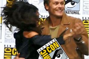 OUTLANDER cast DANCES at San Diego Comic Con
