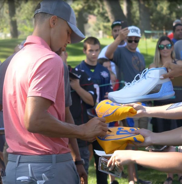 Stephen Curry signs autographs at American Century Championship 2017